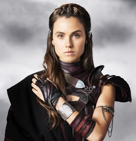 Poppy Drayton Biography, Age, Height, Career, Personal