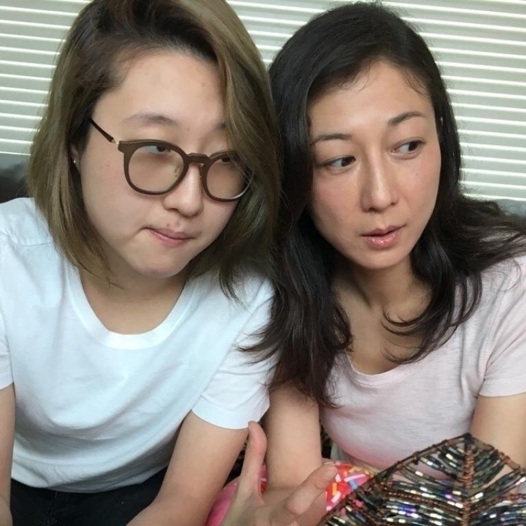 Etta Ng Chok Lam with mother Elaine Ng