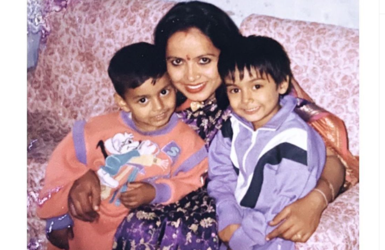 Rishabh with his mother and sister
