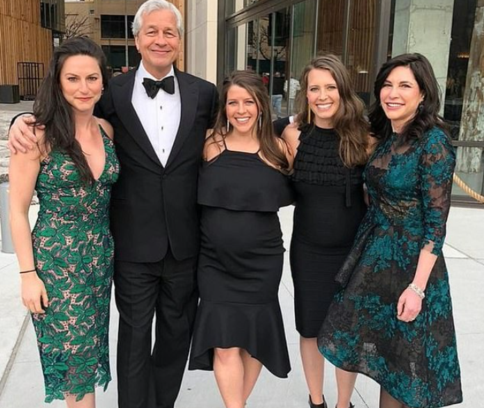 Jamie Dimon with his wife and daughters