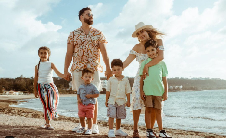 Danny Gokey with his family