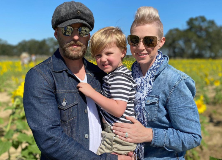 Shawna Thompson with her husband and son